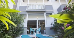 A1 APARTMENT WITH PRIVATE GARDEN Hotel Coral Compostela Beach Golf