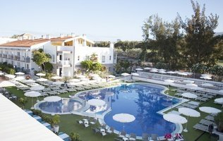 Swimming pool Hotel Coral Compostela Beach Golf